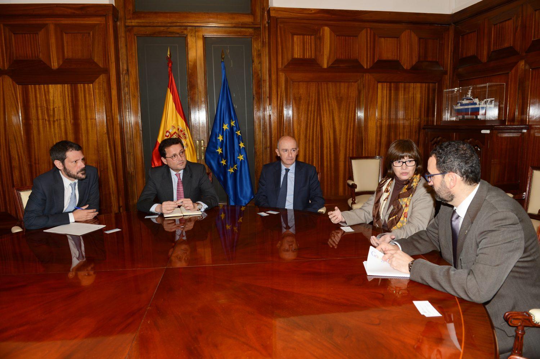 El subsecretario del Ministerio de Agricultura y Pesca, Alimentación y Medio Ambiente, Jaime Haddad. se reúne con representantes de APAE