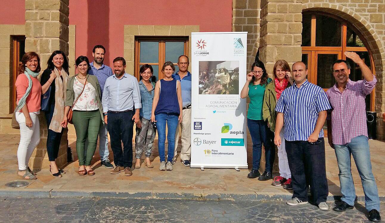 Alumnos del Curso de Experto Universitario en Comunicación Agroalimentaria en Tierra de Cubas