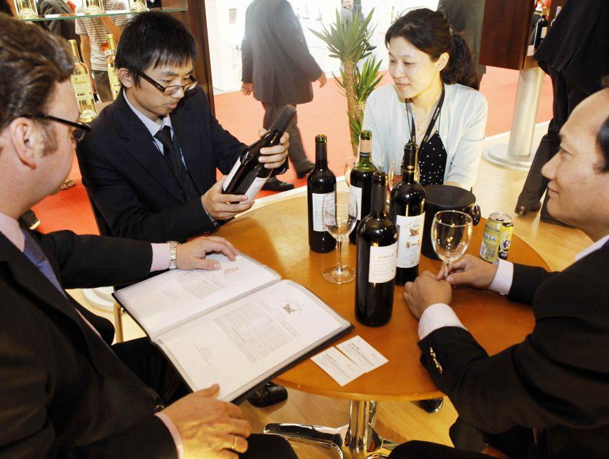 Compradores de 90 países se darán cita en los pabellones de FENAVIN 2017