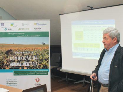 """Fernando Burgaz: """"Es necesario enseñar a los periodistas para que puedan informar del sector agroalimentario con calidad"""""""